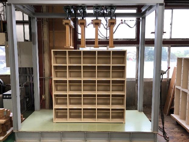 渡辺木工 製品組み立て