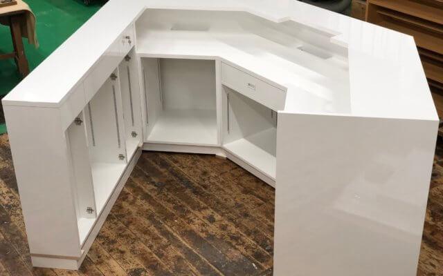 渡辺木工 制作事例フロントカウンター